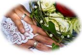 Hochzeitsringe+Strauß verschwommen Kopie